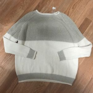 BDG sweater, never worn, size S, white/cream/tan
